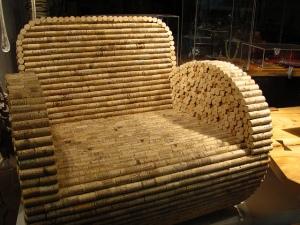Кресло из пробок