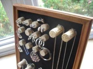 Подставка для украшений из пробок cork jewelry organizer