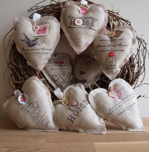 Льняные сердечки со штампами