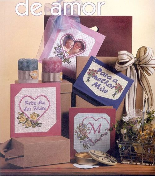 Вышитые открытки с сердечками