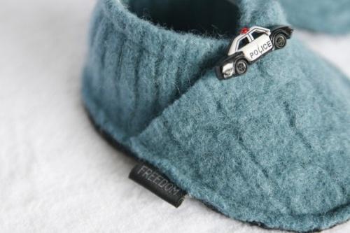 Тёплые тапки из старого свитера