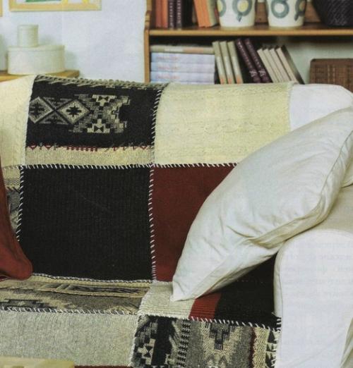 Накидка на диван из старых свитеров