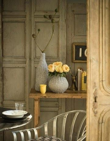 Декор ваз из старого свитера