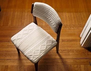 Обивка для стула из старого свитера