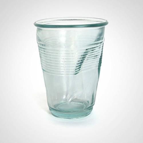 Имитация пластикого стаканчика (илл.)