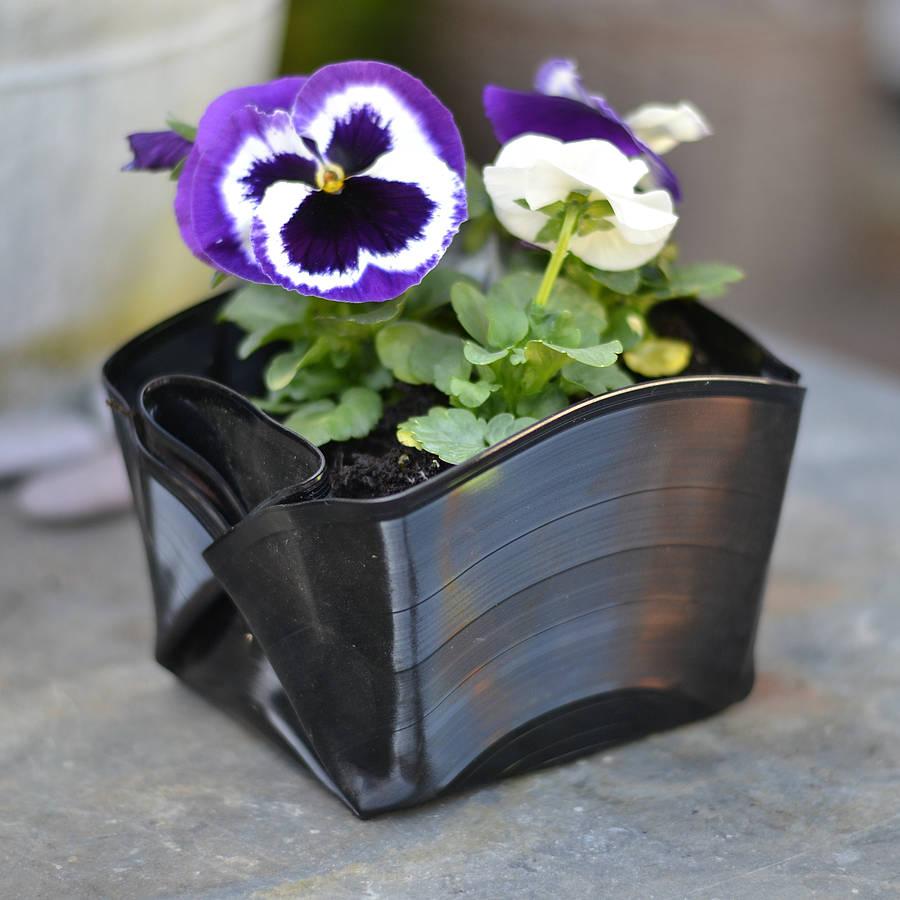 Как сделать горшки для цветов из виниловых пластинок своими