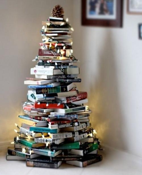 Ель для книголюбов