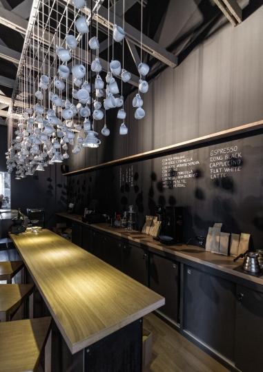 Дизайн Интерьер кофейного магазина , Румыния (илл.)
