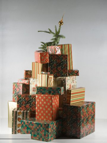 Ёлка из подарков